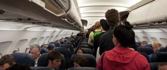 坐飛機坐到周身痛